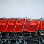 Zakupy na żywności na osiedlowych bazarach